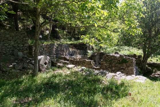 Die große Mühle mit Mühlstein