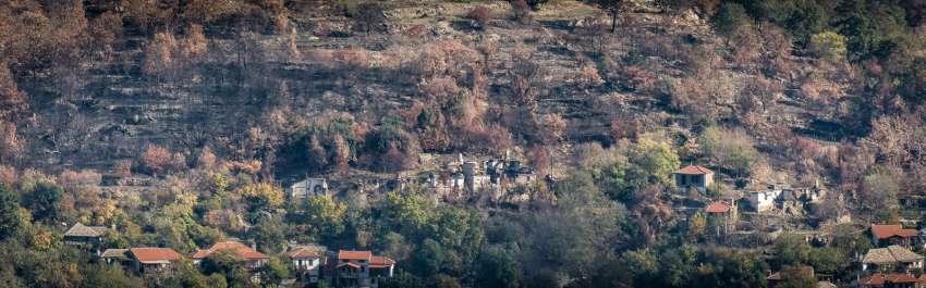 Der bei dem Waldbrand 2016 zerstörte Dorfteil Simenitika in Kazaviti. Das Feuer brach an drei Stellen auf Thassos gleichzeitig aus.