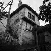 Ehemaliges Metochi Manola (Klostergut) des Klosters Esfigmenou auf dem hl. Berg Athos. Das Haus wurde bei dem Waldbrand 2016 völlig zerstört.