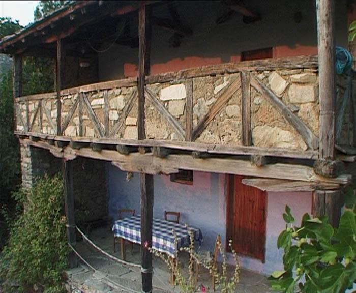 Loggia und Terrasse Ferienhaus Karavousi